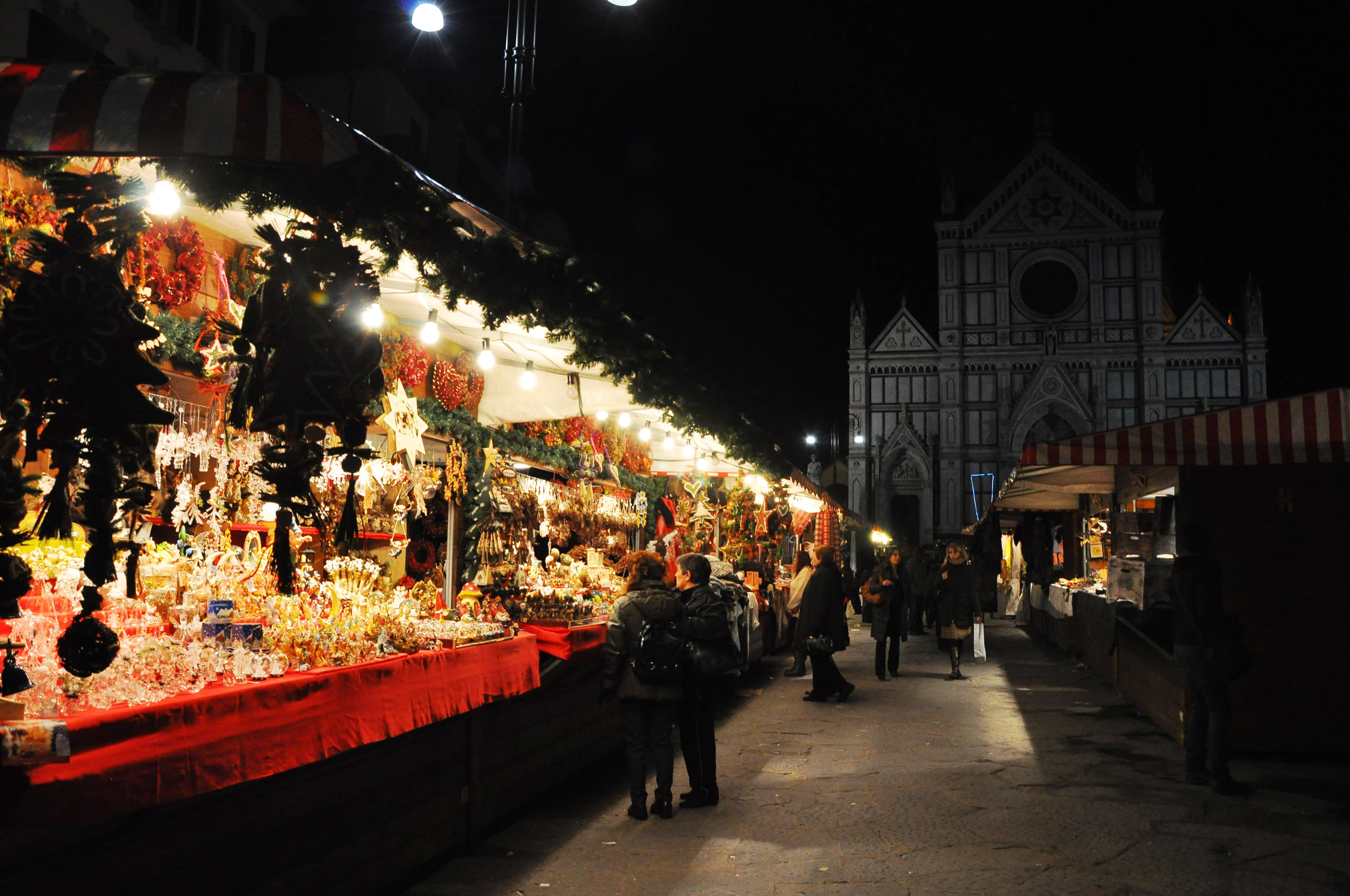 December in cities like Florence comes with perks, including Christmas markets!