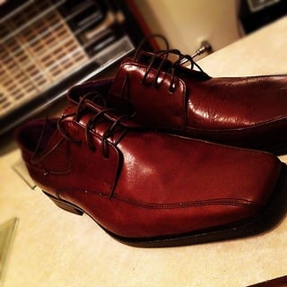 If you really want to blend in, then you can't forget those leather shoes! (Photo: Xelcise on Flickr)