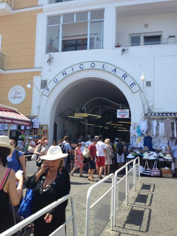 How to get around Capri