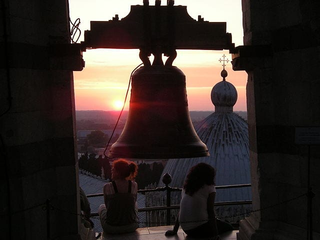 One of the tower's seven bells. Photo by Leandro Neumann Ciuffo